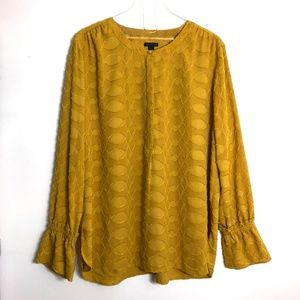 Ann Taylor Tops - Ann Taylor Yellow Geo Flounce Cuff Popover Silky